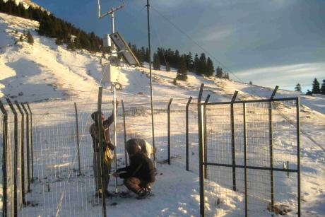 12/9/2013 Installation of meteorological station in National Park of Oiti (Photo: Giannis Alexopoulos)