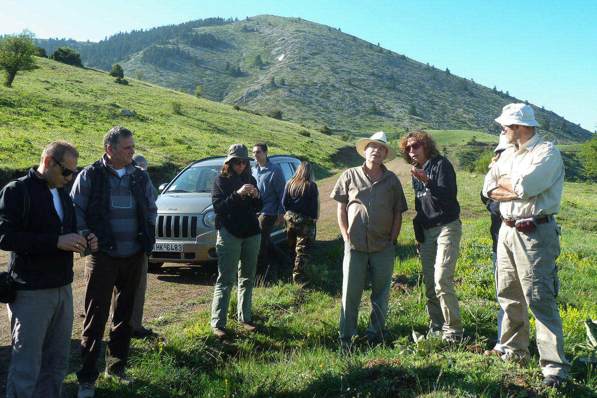 Members of the project team on a visit to the grasslands of Mt. Oiti. (Photo: Christos Georgiadis)