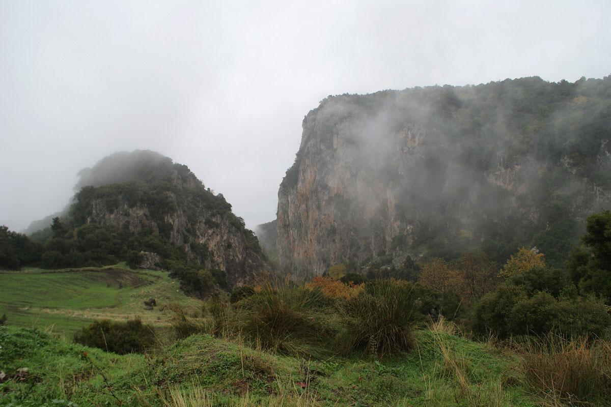 Στην ανατολική πλευρά της Οίτης. (Φωτο: Χαράλαμπος Αλιβιζάτος)
